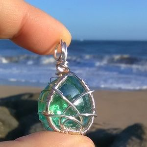Silver Wrapped Emerald Green Celtic Necklace